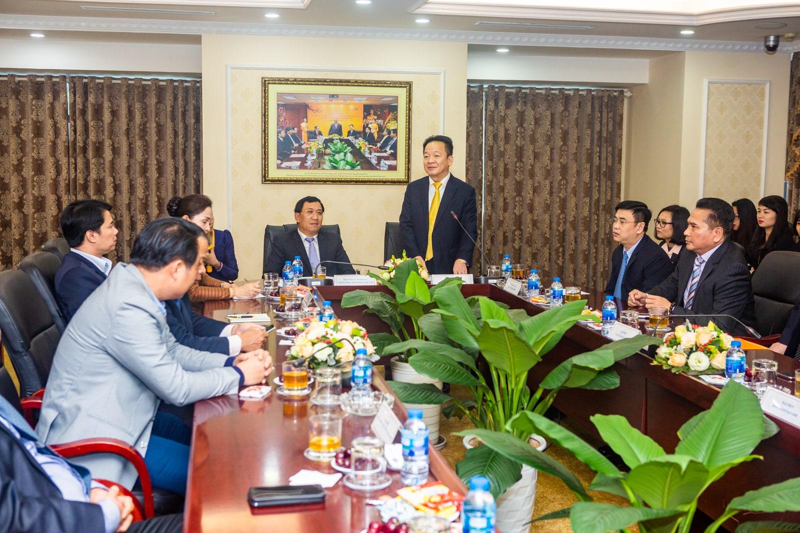 SHB Laos has an important contribution to the socio-economic development of Vietnam and Laos